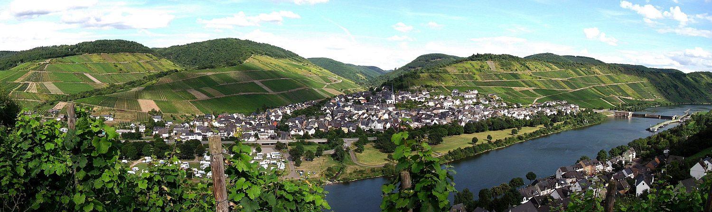Blick von Kövenig auf Enkirch
